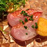 クッチーナ イタリアーナ セルヴァッジョ - 金目鯛 フルーツほうずき添え