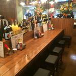 島酒場 平良商店 - 内観  カウンター