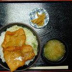 4367908 - 塩カツ丼(780円)