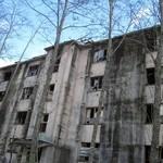 43677649 - 築別炭鉱、鉱員アパート