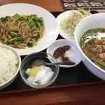 43679548 - ニンニクの芽と豚肉炒め定食                       750円 +200円プラン