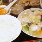 Chuugokushusaikourai - 海鮮野菜炒め定食・・800円