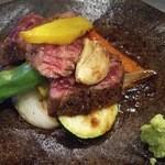 旬のKURA 一徹 - 佐賀県産 牛ハラミの陶板焼き