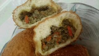 フランスパンヤ MANBO - ピロシキ断面 挽肉たっぷりです♪