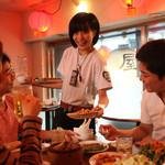 肉汁水餃子 餃包 - 明るく元気なスタッフ☆お気軽にお声掛けください。