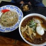 マルホ - 料理写真:ラーメンチャーハンセット630円
