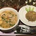 タイレストラン タニサラ - タイラーメン 税込680円 と カオパップー 税込780円