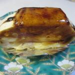 金の小槌 - シプスト270円、リンゴとバニラムースを使ったリッチなケーキです。