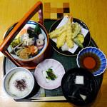 六せい - 料理写真:手提げ弁当膳 天麩羅付き