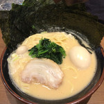 Ittouya - 味玉入り800円+のりトッピングの中太麺
