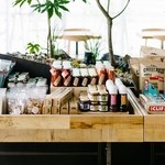 Cafe&BarbecueDiner パブリエ - ローカルマーケットをテーマに、神奈川県産の食品や、エコなグッツを販売中