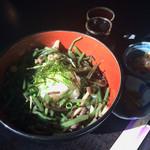 遊季亭まるふく - 料理写真:おろし山菜そば
