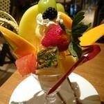 果実園 リーベル - フルーツパフェ¥950