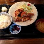 43721982 - 鶏とネギのピリ辛ソース