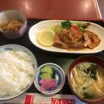43722838 - 日替わり定食(豚の生姜焼き650円)