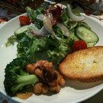 カフェ リディアン - 前菜、サラダ、パン