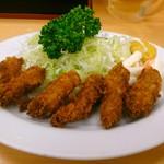 三忠食堂 - 牡蠣フライ