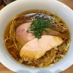 ラーメン屋 トイ・ボックス - 醤油ラーメン(750円)
