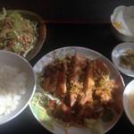 台湾菜館 弘城 - 油淋鶏定食。ランチパスポートで500円