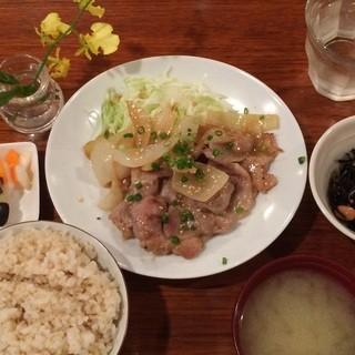 aunt MIMI - 豚肩ロースの味噌生姜焼きランチ1,080円