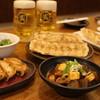 浪花ひとくち餃子 餃々 - 料理写真:1番センター羽根つき餃子、2番ライト、モツ煮込み。