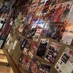 TAKO-SHOW - ヘビメタな壁