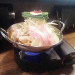 もつ すとぉりぃ - 料理写真:当店名物もつ鍋は3種類の手作りスープでお肌もぷるりん♪ 野菜もガッツリいただけます。 1人前1,280円