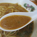 天徳 - 甘味ある豚骨醤油スープ