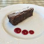 トラットリア ダ ゴイーノ - ランチデザートのチョレートケーキ