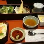 産直鮮魚寿司炉端 源ぺい - 平日限定おもてなし膳(ちらし寿司)