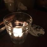 サンドグラスカフェ - テーブルに置いてあるキャンドル