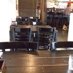 らーめんぼんくら - 店内の机です