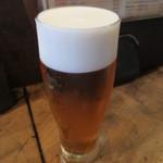 43802447 - まずはビールで。