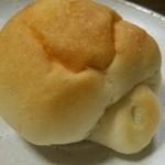 パン工房 たまいろは - 塩バタロール
