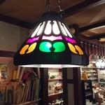 林檎 - 【内観】店内一番奥のテーブルの照明