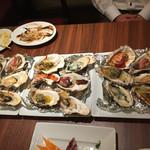 43804827 - いろんな食べ方のある牡蠣の風景