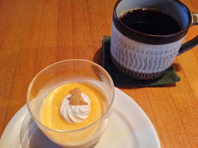 Sumi Cafe - 花塩プリンと珈琲のセット 850円