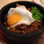 トマト&オニオン - 料理写真:石焼ジャンバラヤ