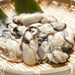 秋頃から広島産の牡蠣も入荷♪