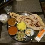 ラクシュミー - ダブルカレーランチ(980円)野菜&キーマ