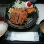 菊一商店 - 2015.10ヒレカツ定食(500円)
