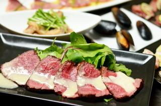 Dining Bar SelVaggio - 和牛もも肉のローストビーフ~胡椒芥子ソース~