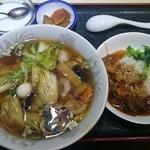43839629 - 五目ラーメン&角煮丼