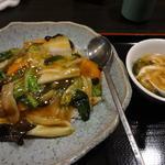 美食中華 泰山 - 中華丼