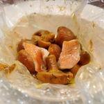 オステリア・ラ・フォルケッタ - ジャンボナメコと真鯛のカルタファタ包み