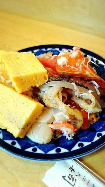 梅寿司 - こぼれ落ちるネタ用の取り皿