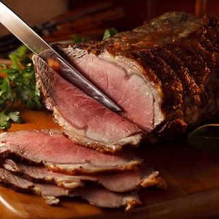 肉汁と旨味が閉じ込められた、人気No.1のローストビーフ