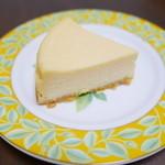 リコリコ - 料理写真:スペシャルベイクドチーズケーキ(360円)
