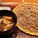驀仙坊 - 山家(油揚げ、なす、鶏肉、きのこの温かいつゆ)990円