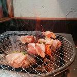 七輪焼肉安安 - 肉厚でジューシーな鶏もも肉(ランチ)